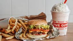 Five Guys opent in Almere Centrum