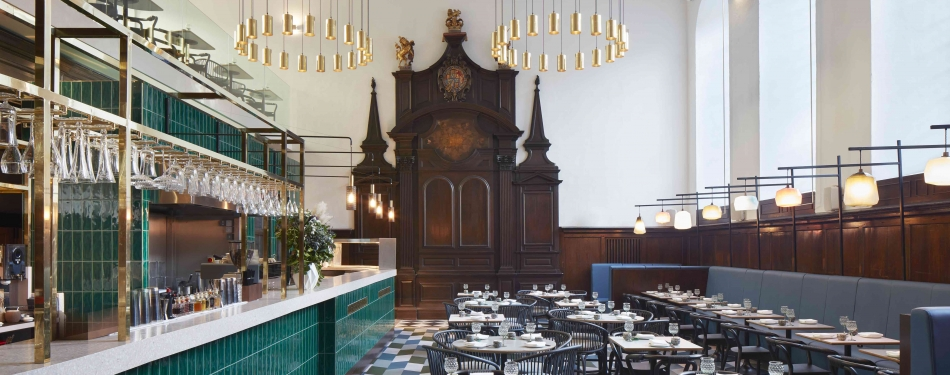 Hip kunst- en designrestaurant in Londense kerk<
